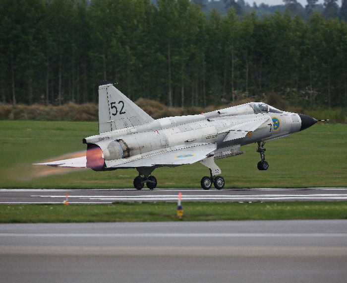 AJS 37 Viggen från SwAFH - Swedish Airforce Historic Flight. Foto: Gunnar Åkerberg.